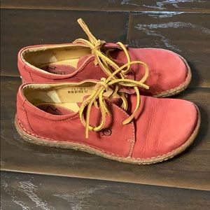 Born Red Nubuck Leather Laceup Oxfords sz 7.5